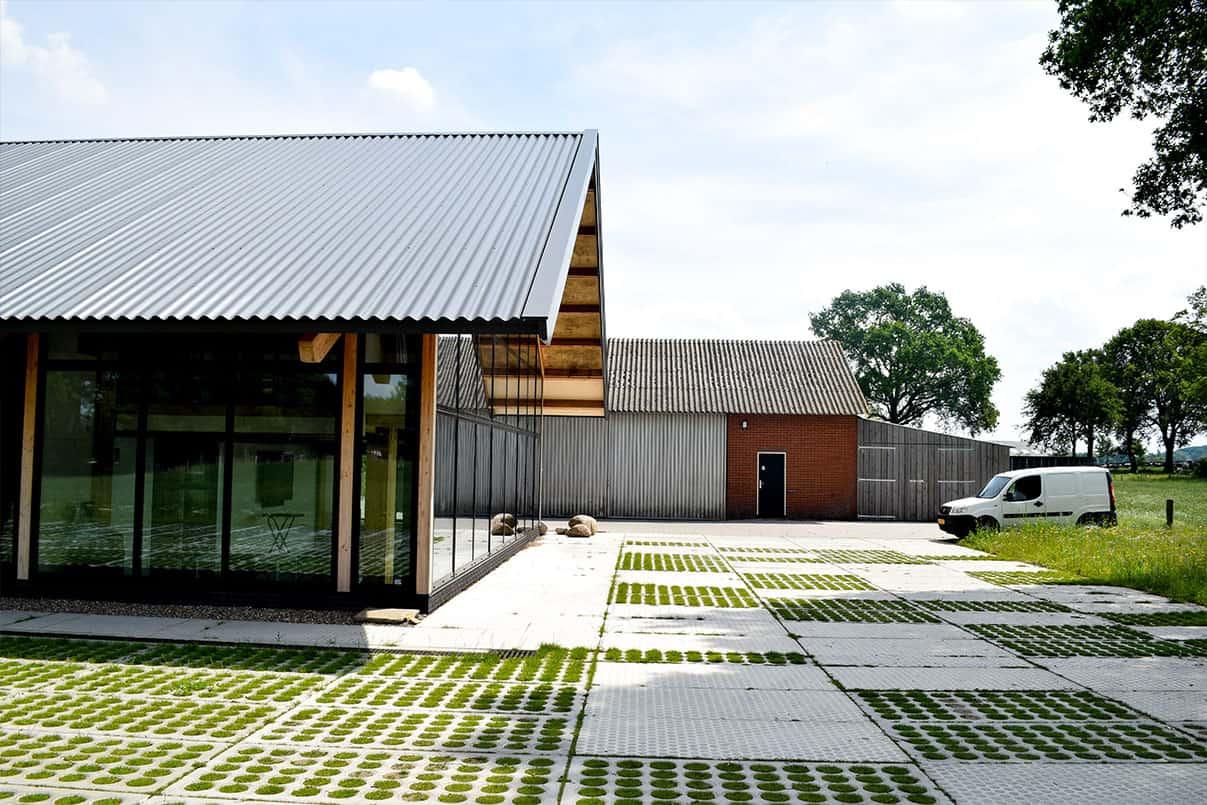 Moderne nog groene verharding op uw bedrijfsterrein  | Simbeton.nl