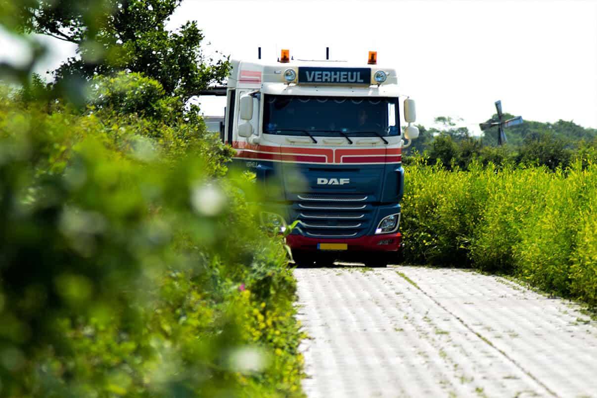 SIMgras betonplaten 13 ton aslast  | Simbeton.nl
